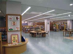 桐生市立新里図書館